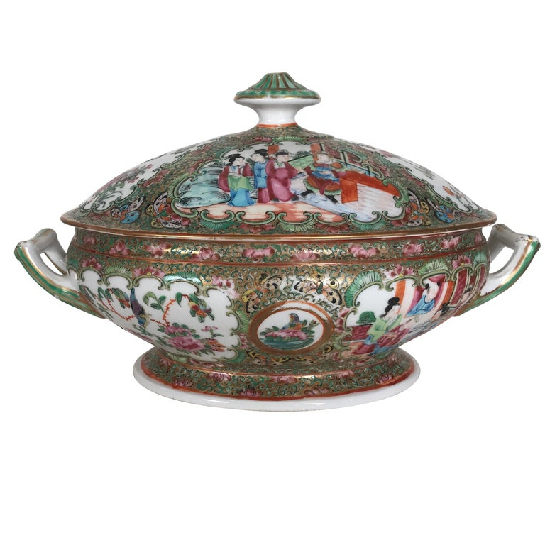 Antique 19th Century Rose Medallion Chines Export Tureen For Sale