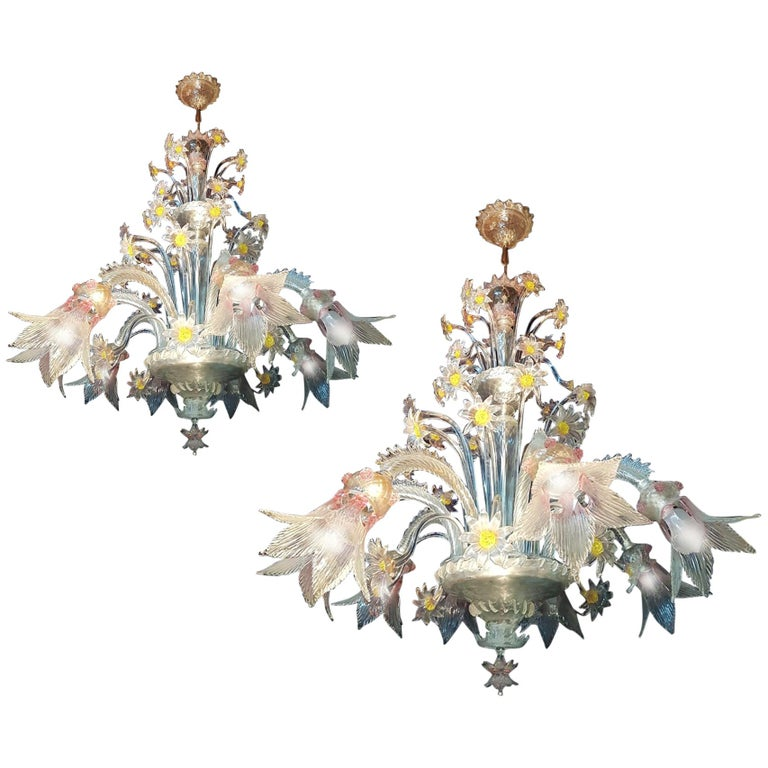 Charming Pair of Murano Chandeliers by Seguso, 8 Arms, Murano, 1950s For Sale