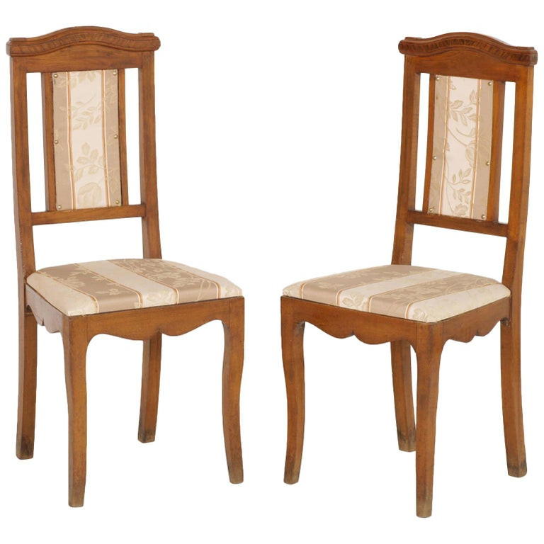 Art Nouveau Pair of Side Chairs in Walnut, Restored, New Upholstered For Sale