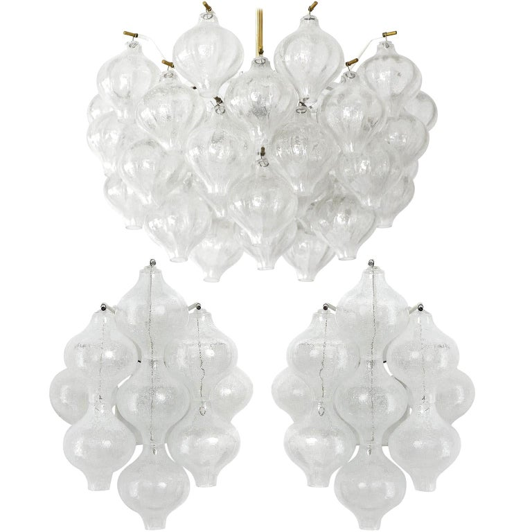 Set Kalmar Chandelier and Pair of Sconces Wall Lights 'Tulipan' Glass Brass 1970 For Sale