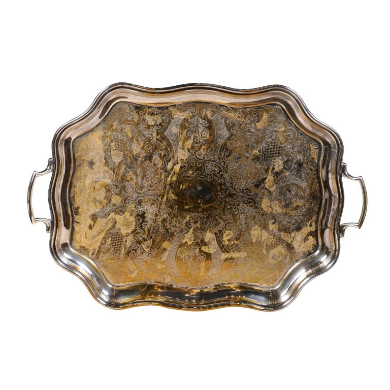 English 19th Century Silver Plate Tray with Chased Décor and Lateral Handles For Sale