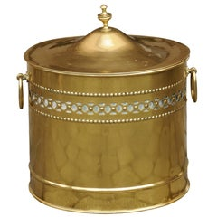 English Victorian Brass Coal Scuttle, circa 1880 with Lid and Pierced Motifs