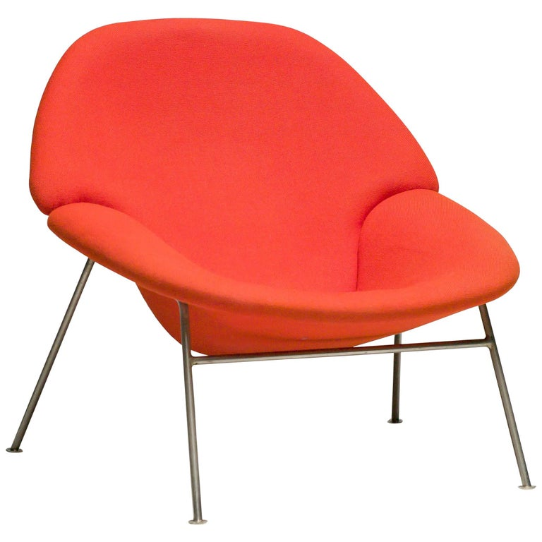 Pierre Paulin F555 Lounge Chair For Sale