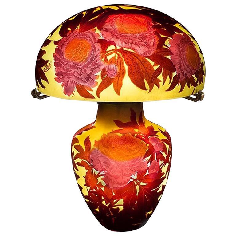 French Art Nouveau 'Pivoines' Table Lamp by Émile Gallé For Sale