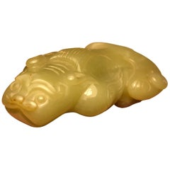 China Fine Antique Rich Green Jade Lion, Ming Dynasty
