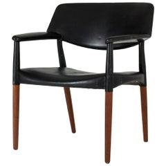 Midcentury Leather Armchair by Ejnar Larsen & Aksel Bender Madsen