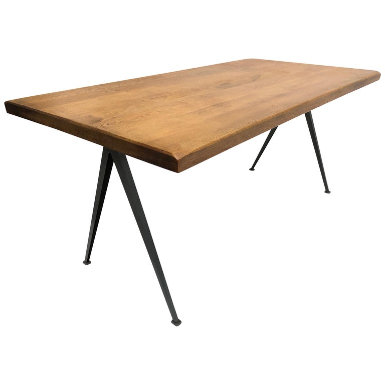 Wim Rietveld 1st Edition Oak Top 'Pyramid' Compass Table Ahrend the Cirkel 1959 For Sale