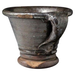 Englisches Steingut 17tes Jahrhundert Mörtel den Griff mit einem eingeklemmten Terminal
