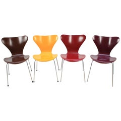 Set of Four Midcentury Iconic Chairs Arne Jacobsen for Fritz Hansen, Series 7