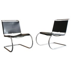 Mies van der Rohe Cantilever Leather Model MR 30/5 Lounge Chairs for Knoll