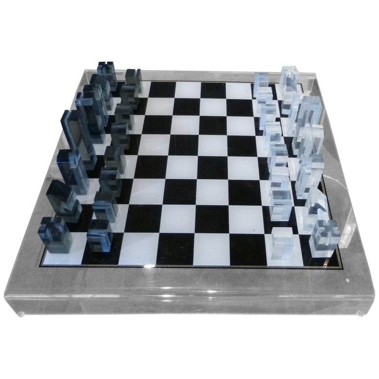 1973 Executive Games Acrylic Chess Set with Board For Sale