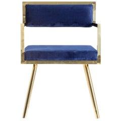 Sechser Set Esszimmerstühle mit Dunkelblauem Samtbezug und Vergoldeten Metall Details