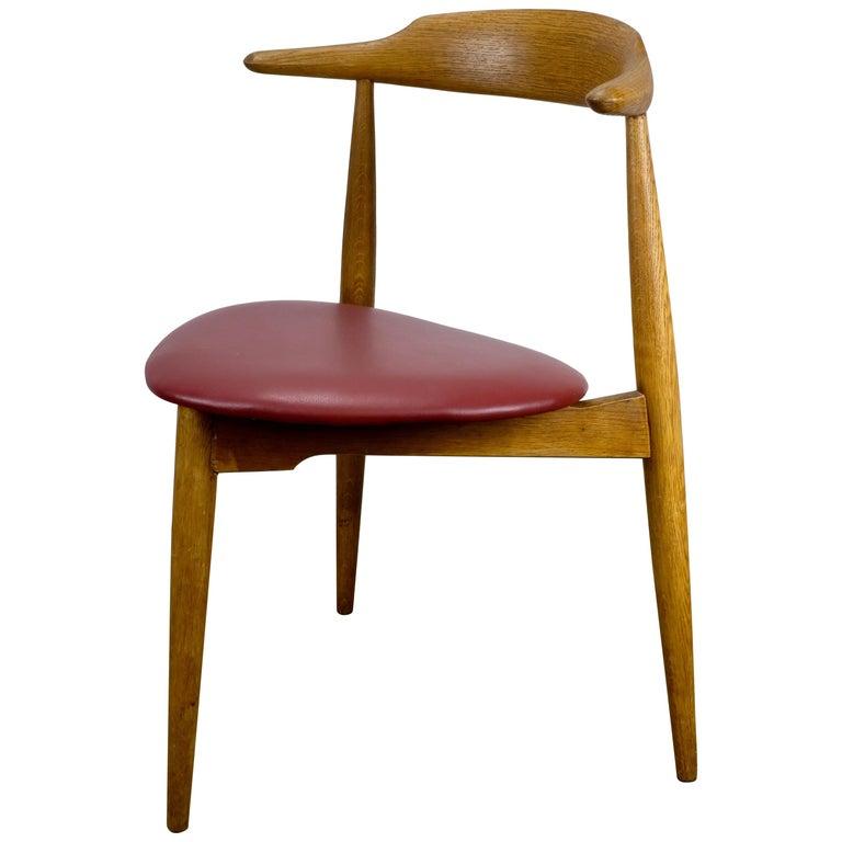 Hans Wegner Heart Chair in Oak For Sale