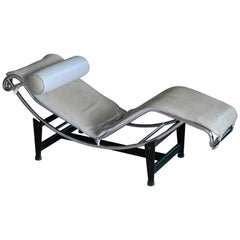 Le Corbusier LC4 Style Chaise in Gray Ostrich Leather