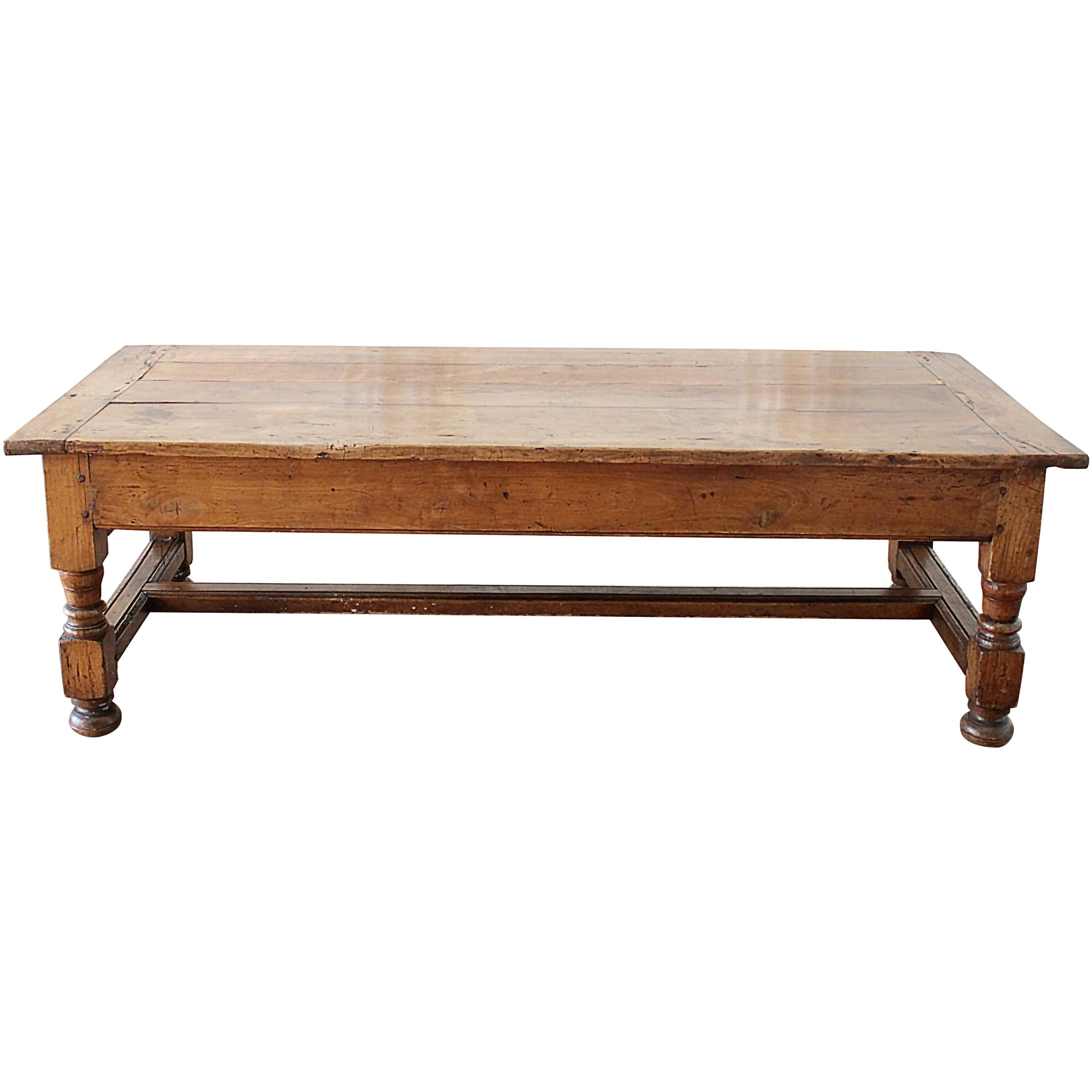 Merveilleux Antique Country French Farm Coffee Table With 2 Drawers