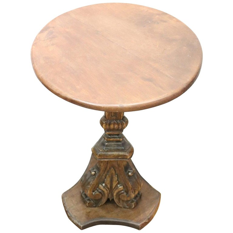 19th Century Italian Carved Walnut Round Side Table or Pedestal Table For Sale