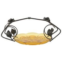 Art-Deco Gateau Set gedrückte Glasschale mit Griff/Träger in Schmiedeeisen