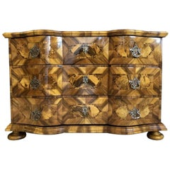 Baroque Chest of Drawers with Dreamlike Walnut Veneered Marquetry