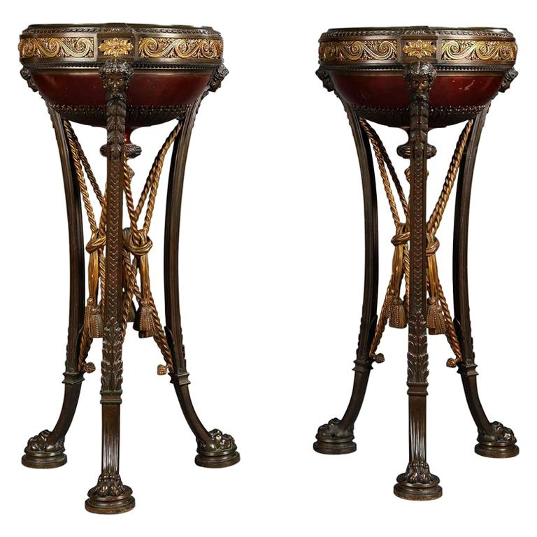 Pair of Napoléon III Bronze Athéniennes Attributed to Barbedienne, circa 1870 For Sale