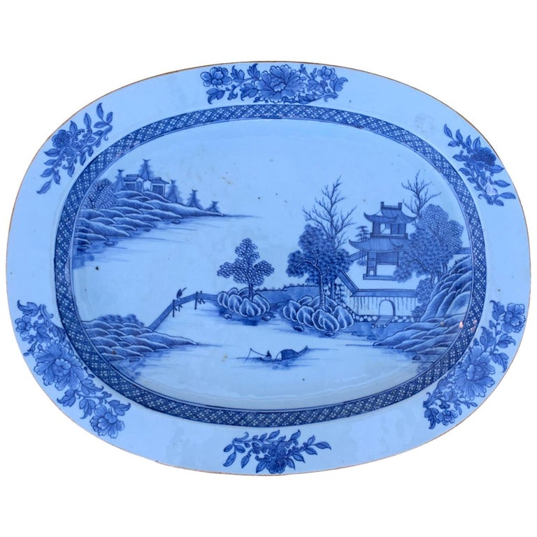 18th Century Large Chinese Blue and White Charger For Sale