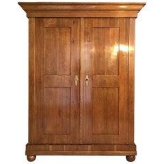 Original Biedermeier Wardrobe Armoire Made of Grained Oak 1810
