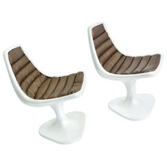 Sculptural Atomic Mid-Century Modern Pair of Side Chairs in Fiberglass