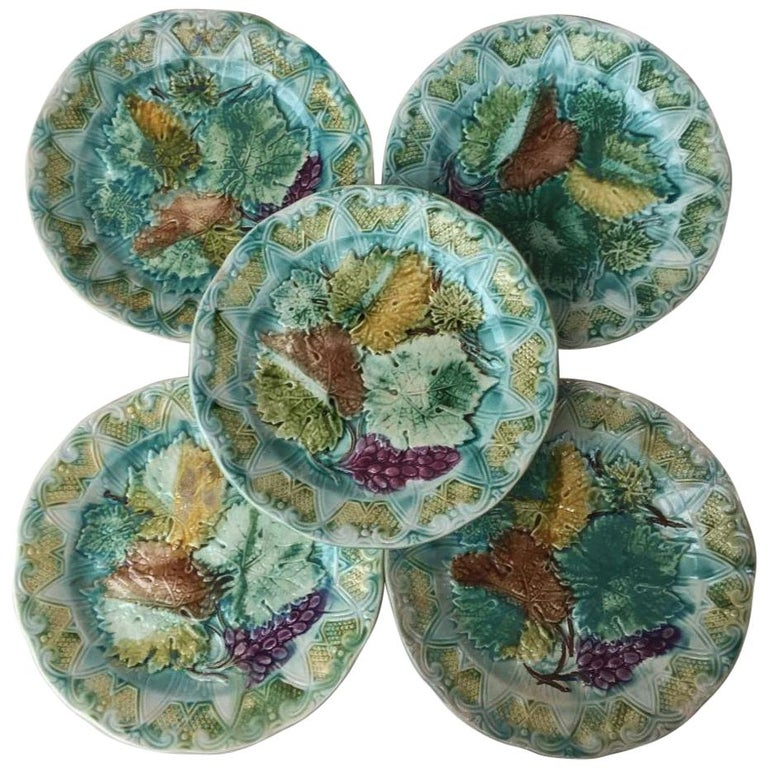 Set of Majolica Leaves Plates Onnaing, circa 1900 For Sale
