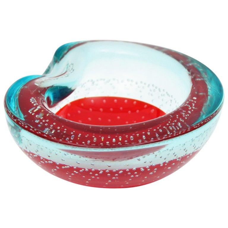 Italian 1960s Galliano Ferro Red and Clear Bullicante Sommerso Murano Glass Bowl For Sale