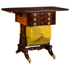 Neoklassischer Tropfenblatt Schreibtisch mit Lyra Enden