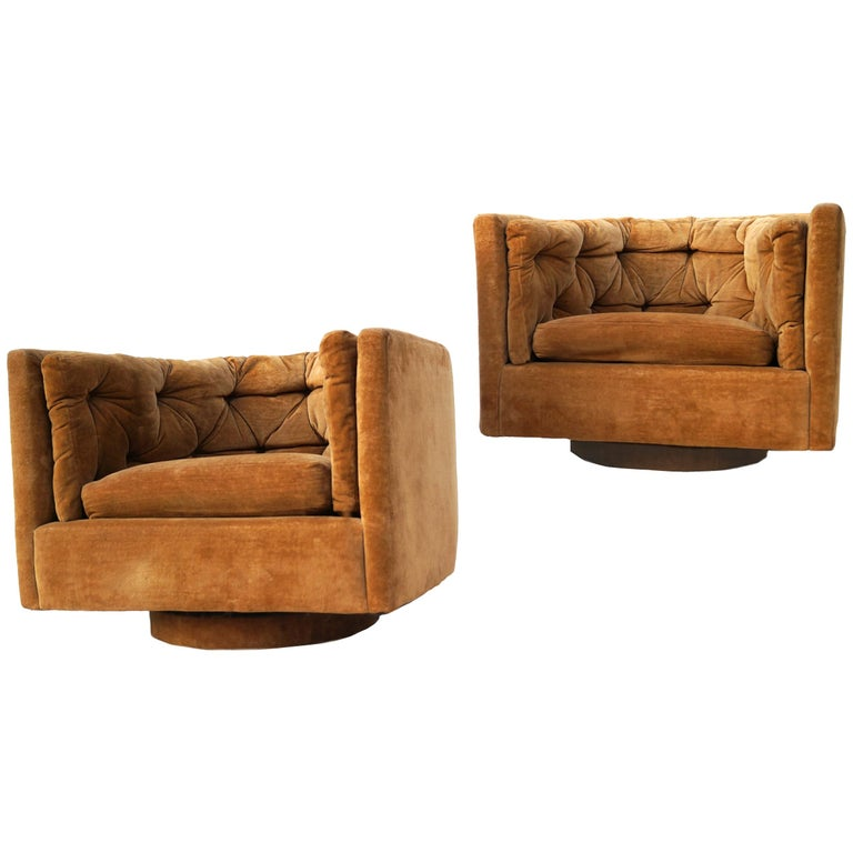Pair of Barrel Swivel Chairs in the Manner of Milo Baughman