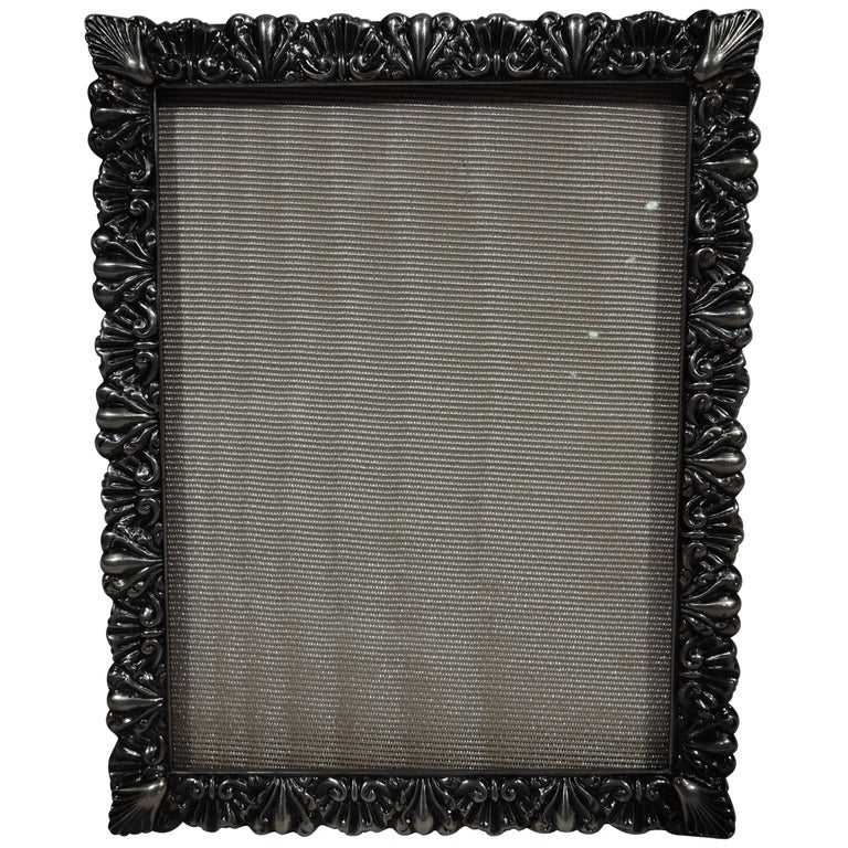 Pretty Antique American Sterling Silver Shell-and-Leaf Picture Frame For Sale