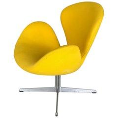 Authentic Arne Jacobsen Swan Lounge Chair for Fritz Hansen