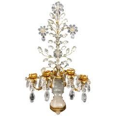 Zwei Wundervolle Vierarmige Baguès Leuchten aus Vergoldetem Metall und Bergkristall