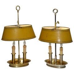 Zwei Messing Bouilotte Lampen mit Gelben Tole Schirmen, Französisch Anfang des 19. Jahrhunderts