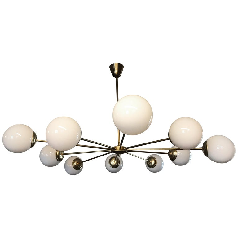 Beautiful Vintage Italian 10 Arm Chandelier in Brass with Opaline Glass Shades For Sale