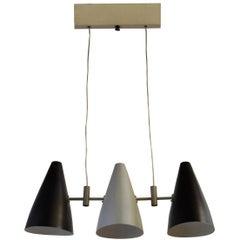 Italienische Pendelleuchte mit drei Lichtern, 1950er Jahre, lackiert in schwarz und grau