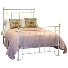 Double Antique Bed in Cream, MD72