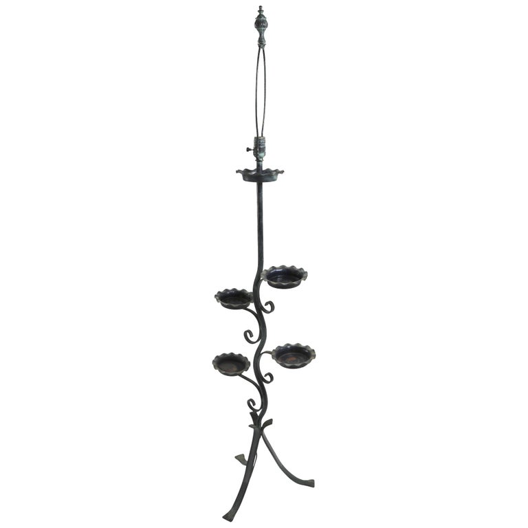 Naturalistic Plant Stand Floor Lamp attributed to Salterini  For Sale