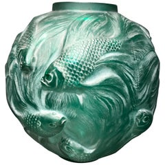 1924 Rene Lalique Formose Vase in Emerald Green Glass White Stain, Fishes Design