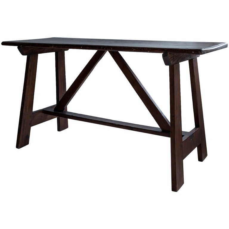 Exceptional 18th Century Minimalistic Table In Solid Walnut For