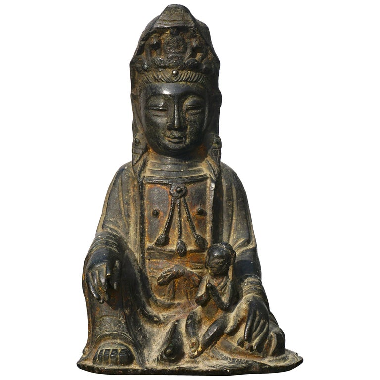 Ming Dynasty Gilt Lacquered Bronze Songzi Guanyin For Sale