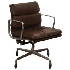 Charles Eames for Herman Miller Dark Brown Soft Pad Management Chair, circa 1970