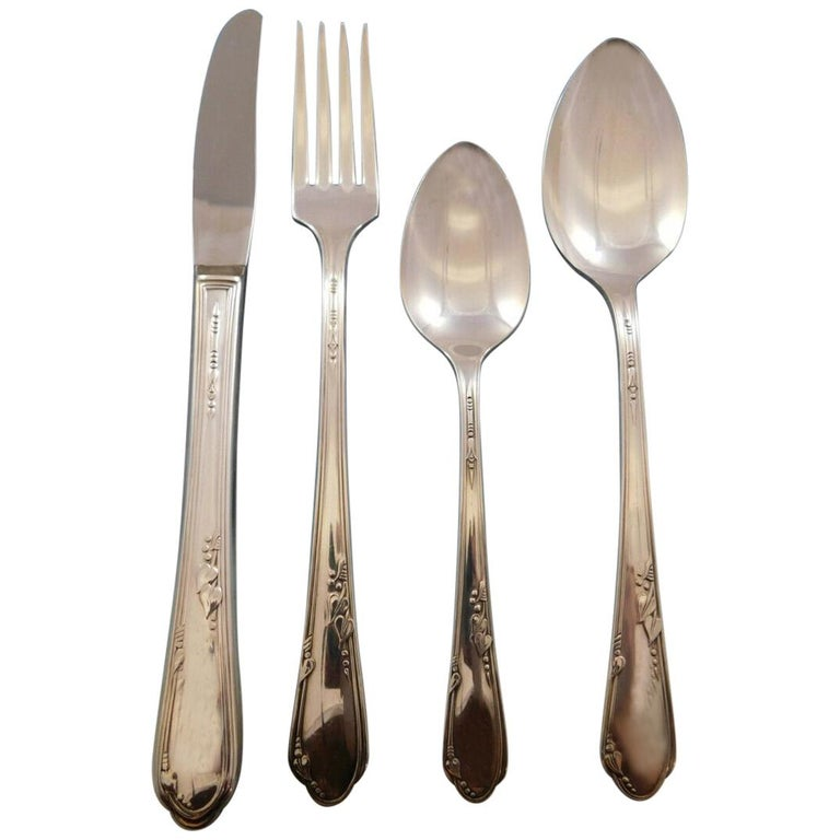 Meadowbrook AKA Heather by Wm. Rogers Silver Plate Flatware Set, 23 Pieces For Sale