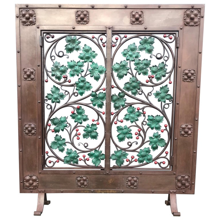 Early 20th Century Handcrafted Wrought Iron Firescreen with Branch & Leaf Decor For Sale