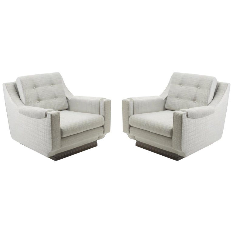Pair of Cinova Midcentury Italian Chairs Reupholstered in Woven Fabric For Sale