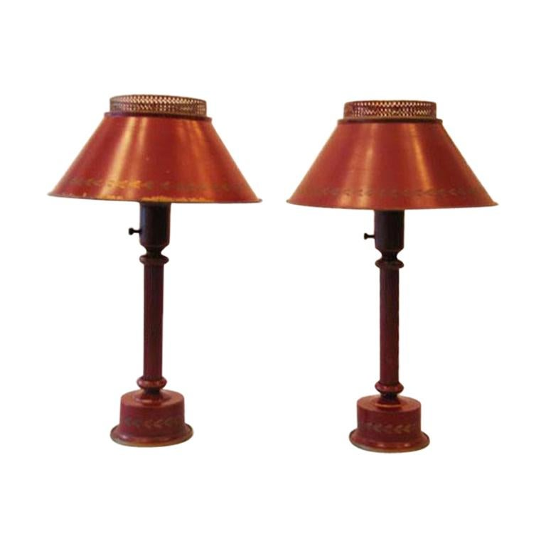 Classic Pair of French Red Painted Tole 'Tin' Table Lamps, France, circa 1930 For Sale