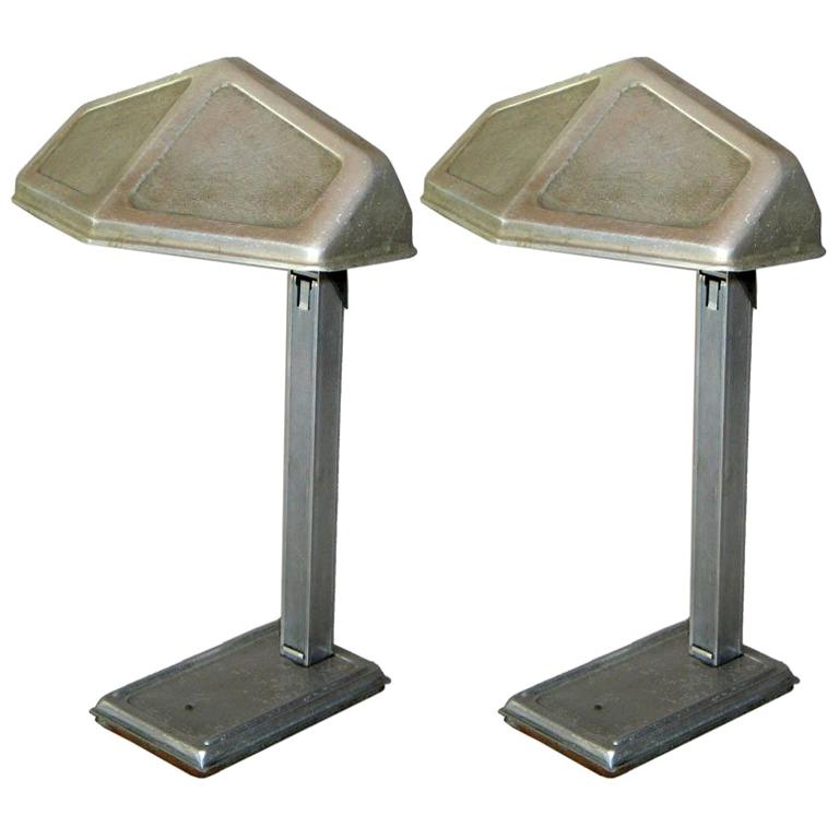 Pair of French Early Modern Aluminum Desk Lamps by Pirette, 1920-1930 For Sale