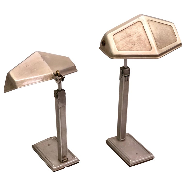 Pair of French Early Modern Adjustable Aluminum Table/Desk Lamps by Pirette 1930 For Sale