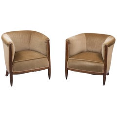 Set of Two 1930s Art Deco Near-Pair of Mahogany Club Chairs