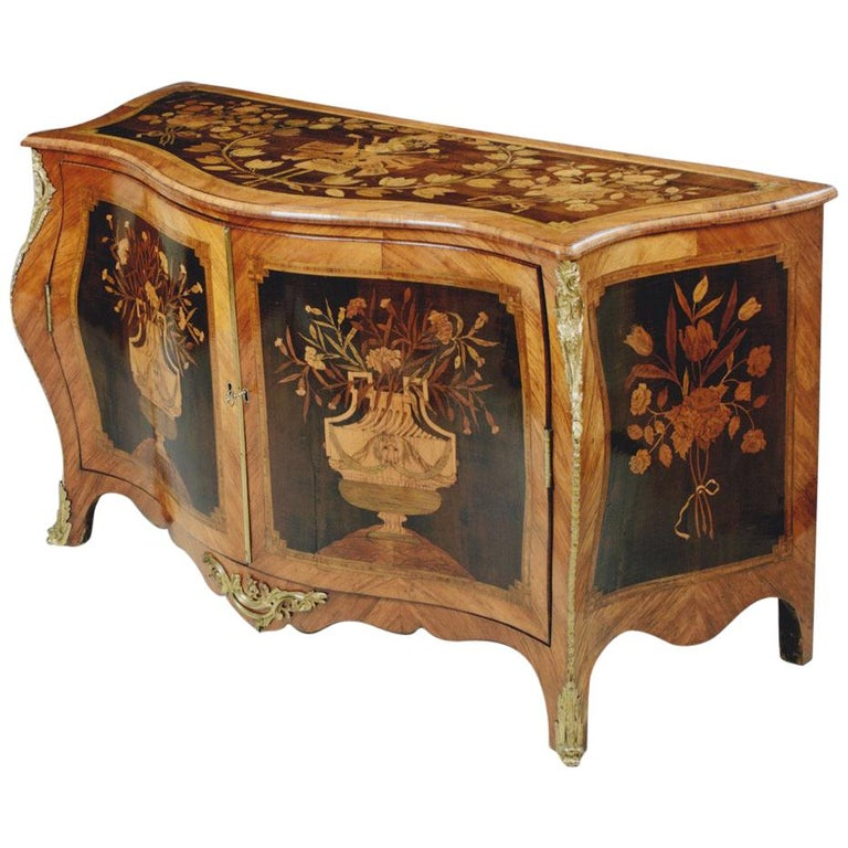 George III Ormolu Mounted Harewood and Marquetry Serpentine Commode 1